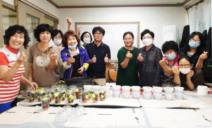 사본 -[신평2동] 지역사회보장협의체, 폭염대비 삼계탕 나눔 행사2.jpg